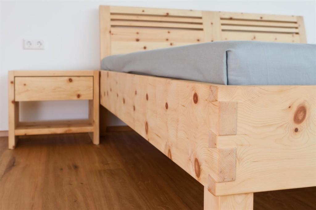 ein gemutliches zirbenbett von rosenkranz